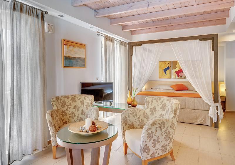Naxos Hotel Nissaki Beach Honeymoon Suites